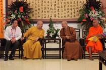 中佛协副会长印顺大和尚会见中国驻尼泊尔大使